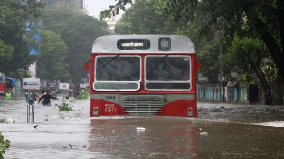 mumbai bus flooding