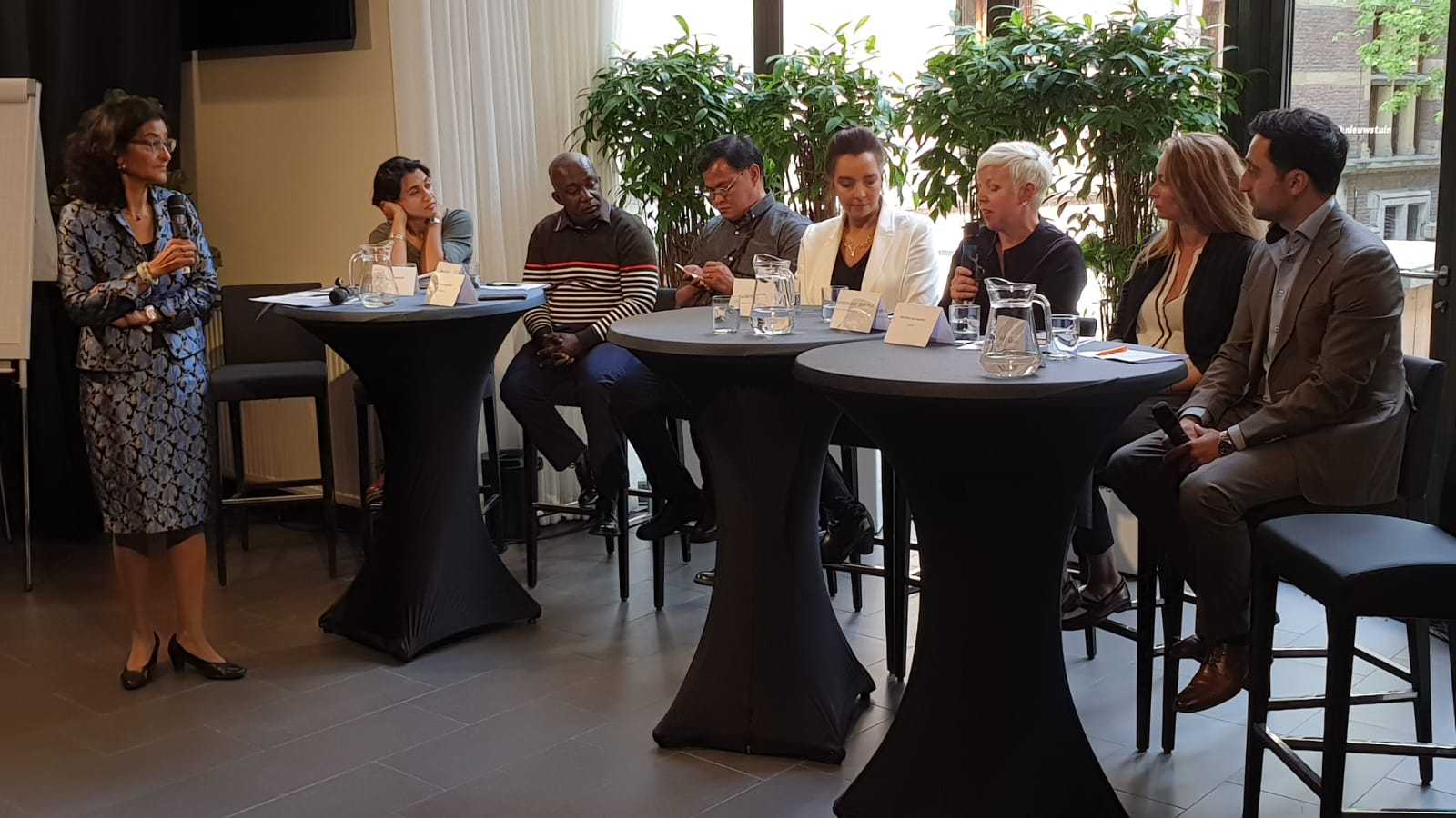 Panel discussion with lobby tour participants and parliamentarians in the Hague2